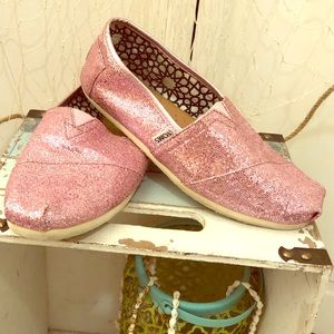 Sparkling pink Toms shoes